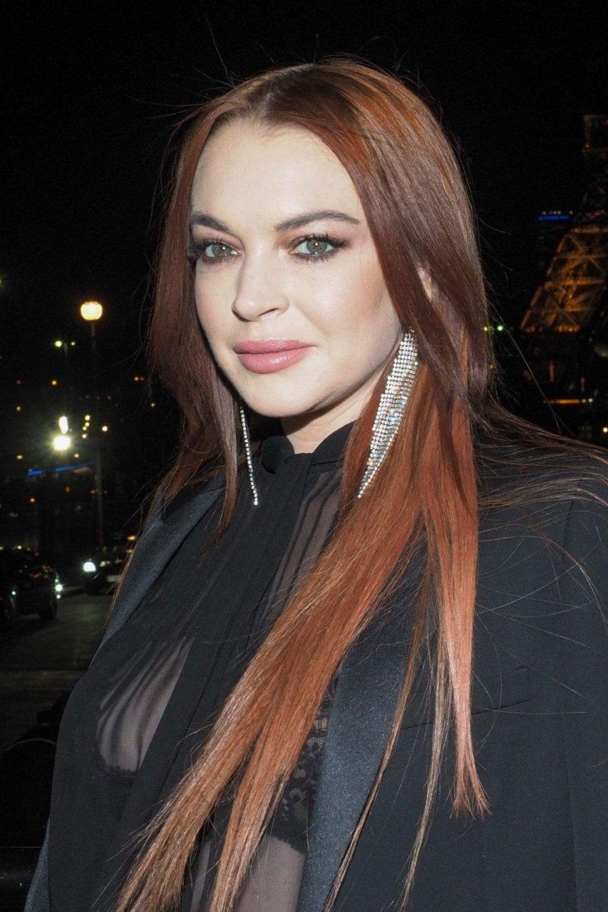 Lindsay Lohan Sexy (43 Photos)