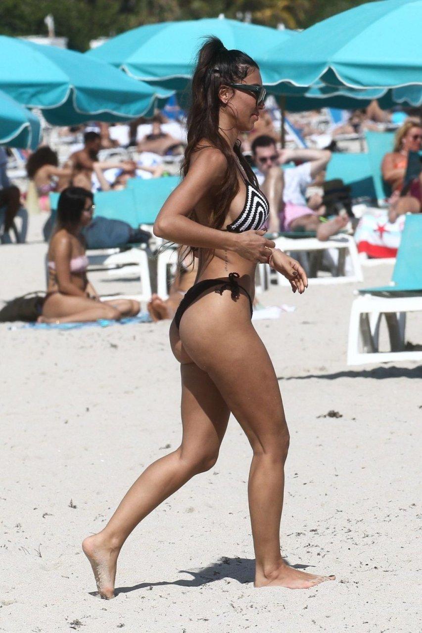 Metisha Schaefer Sexy (42 Photos + GIF)
