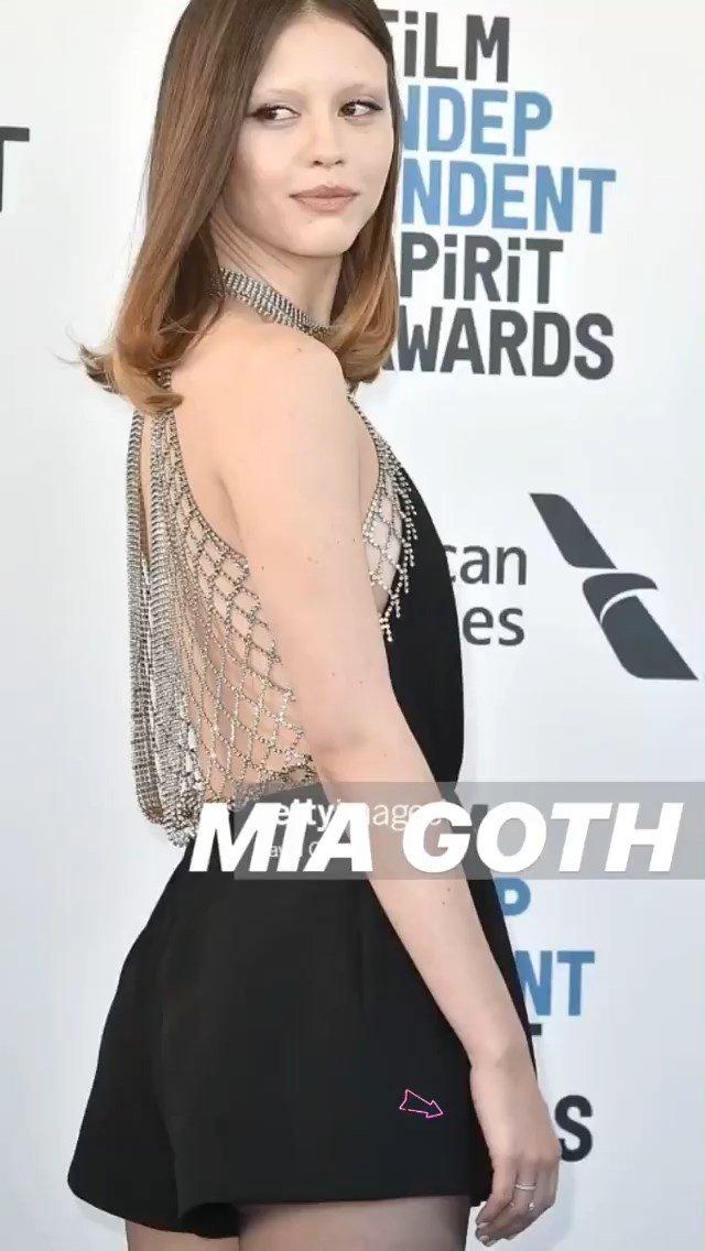 Mia Goth Sexy (19 Photos)