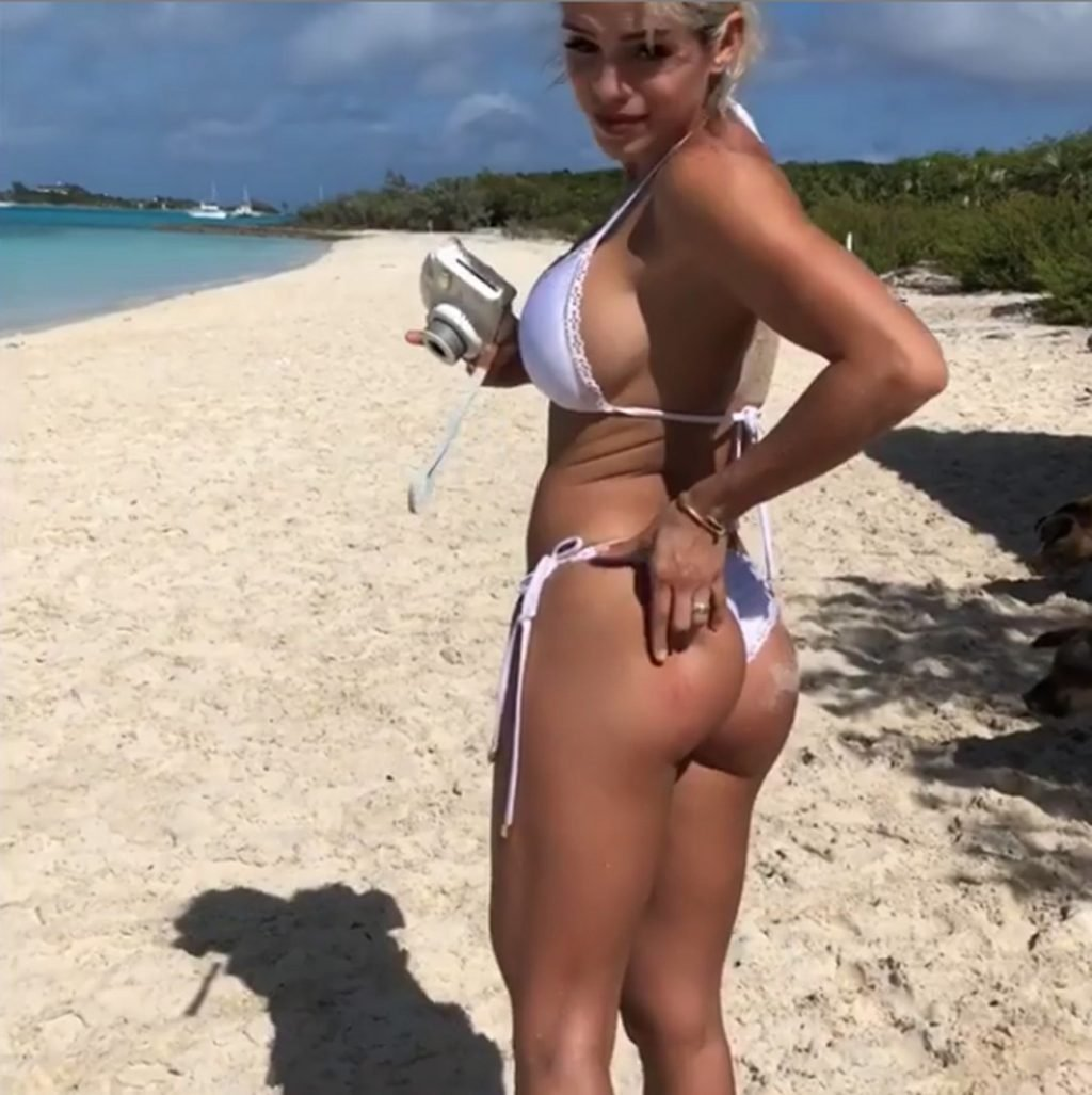 Michelle Lewin Sexy (17 Pics + Video)