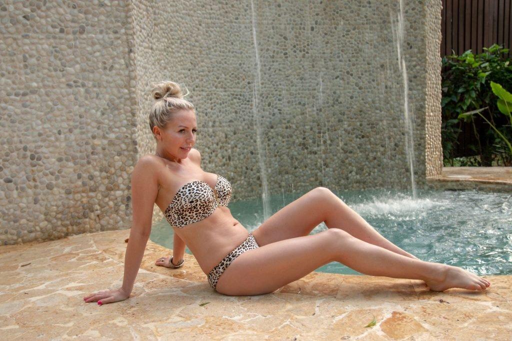 Naomi Isted Sexy (32 Photos)