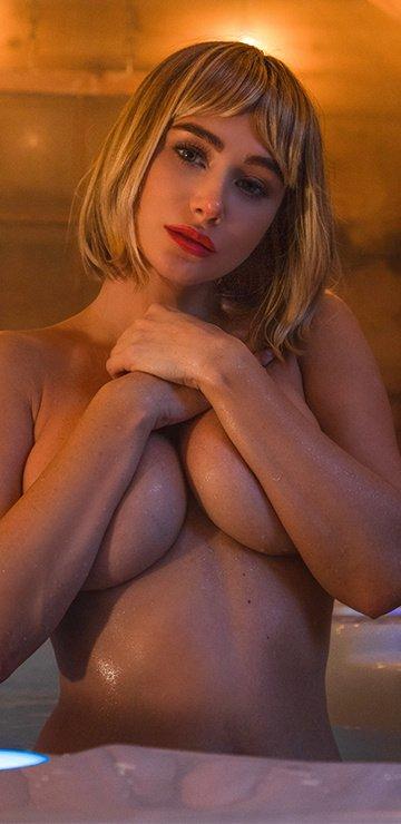 Sara Jean Underwood Topless (7 New Photos)