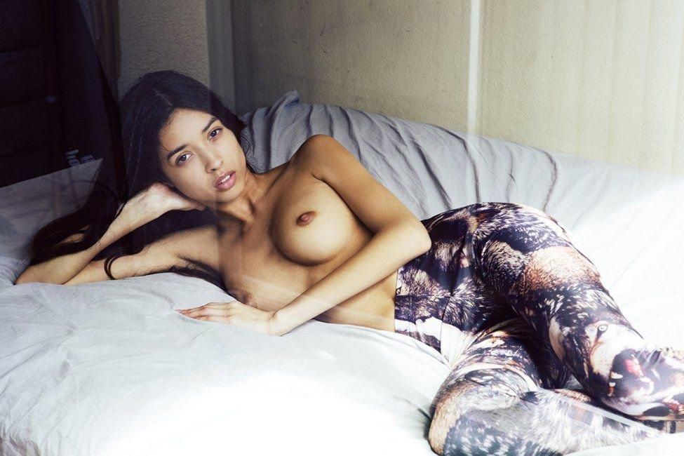 Stephanie Tong Nude Photos