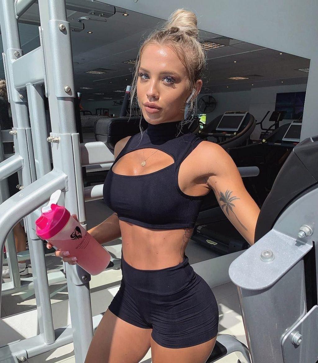 Tammy Hembrow Sexy (35 Photos)