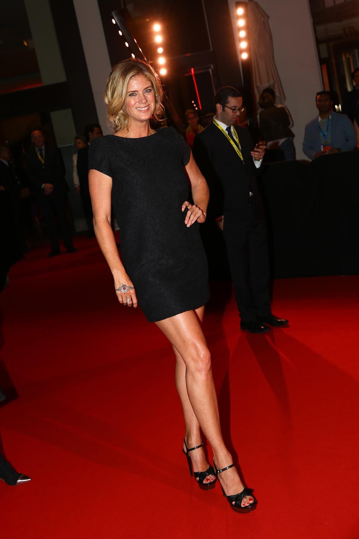 Rods ex Rachel Hunter shows she can still wear it well