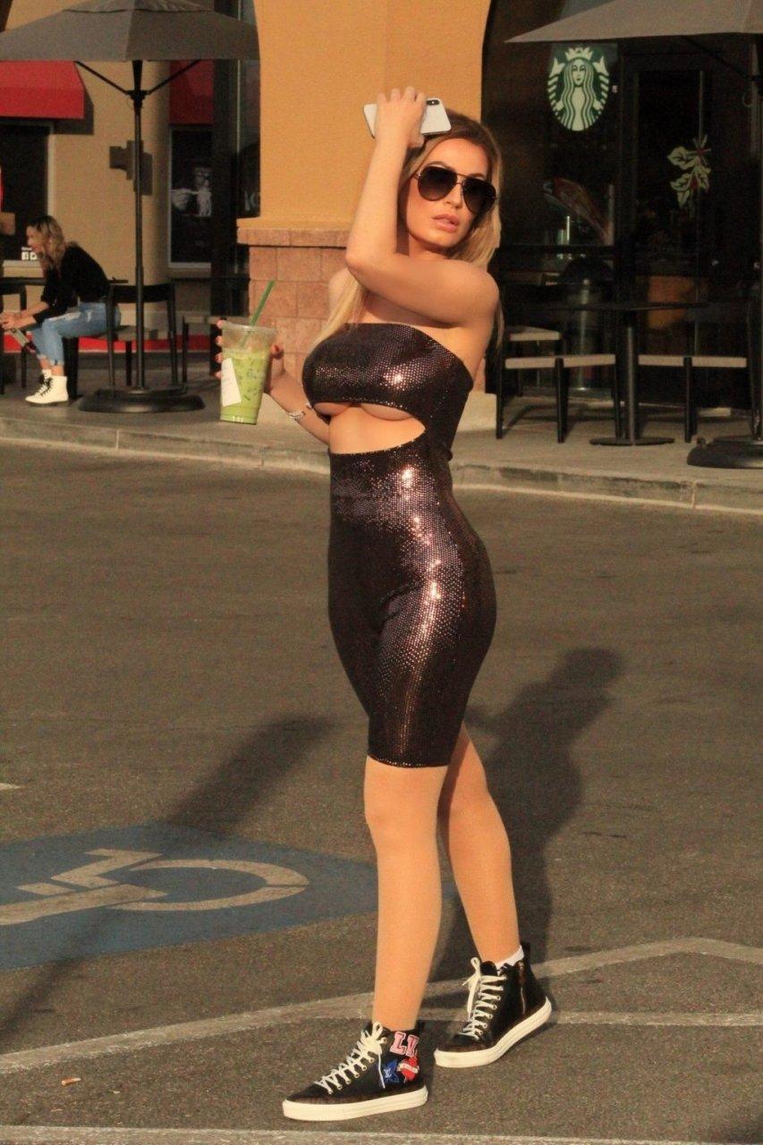 Ana Braga Underboob (9 Photos)