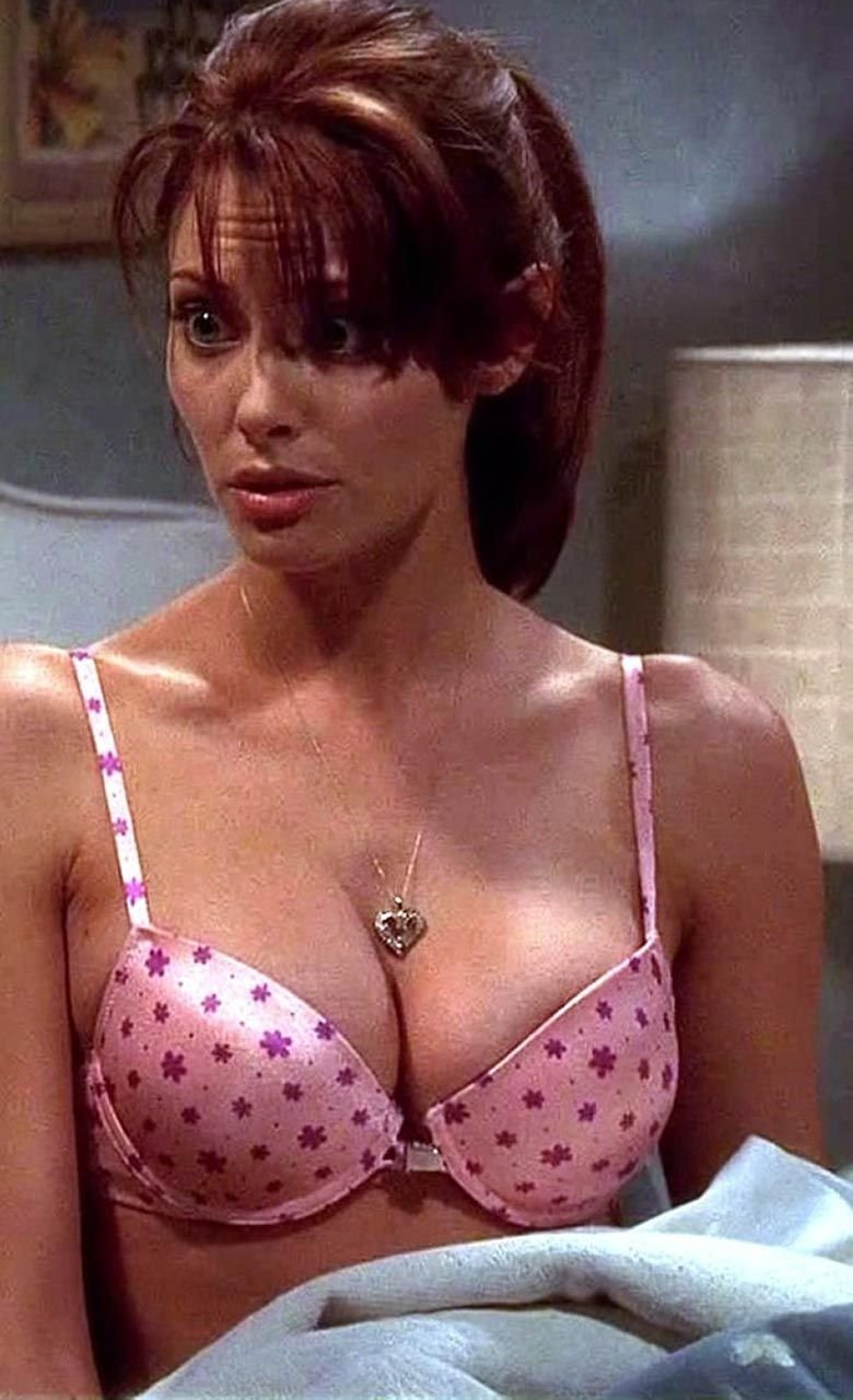 April Bowlby Sexy (34 Photos)