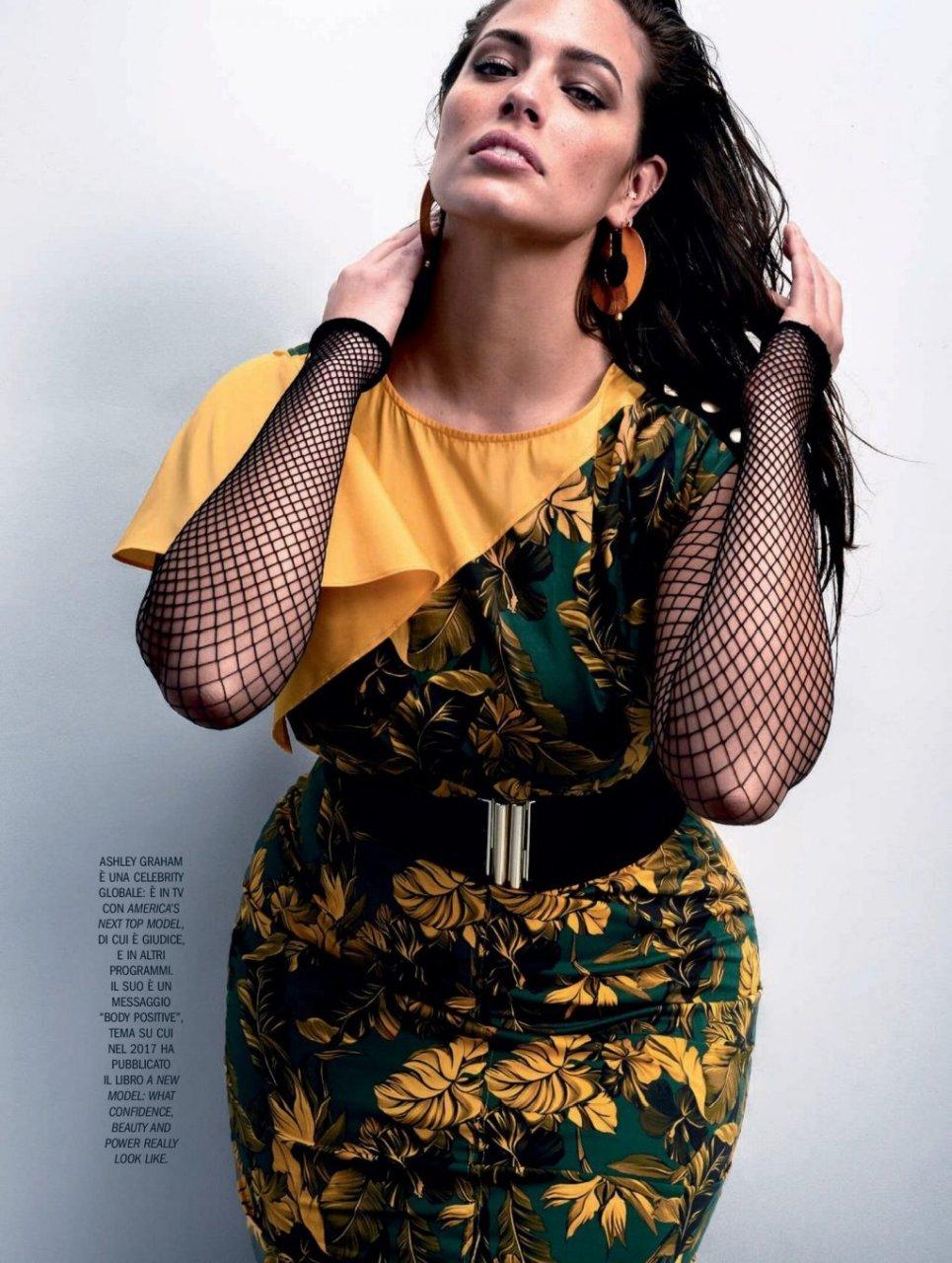 Ashley Graham (5 Sexy Photos)
