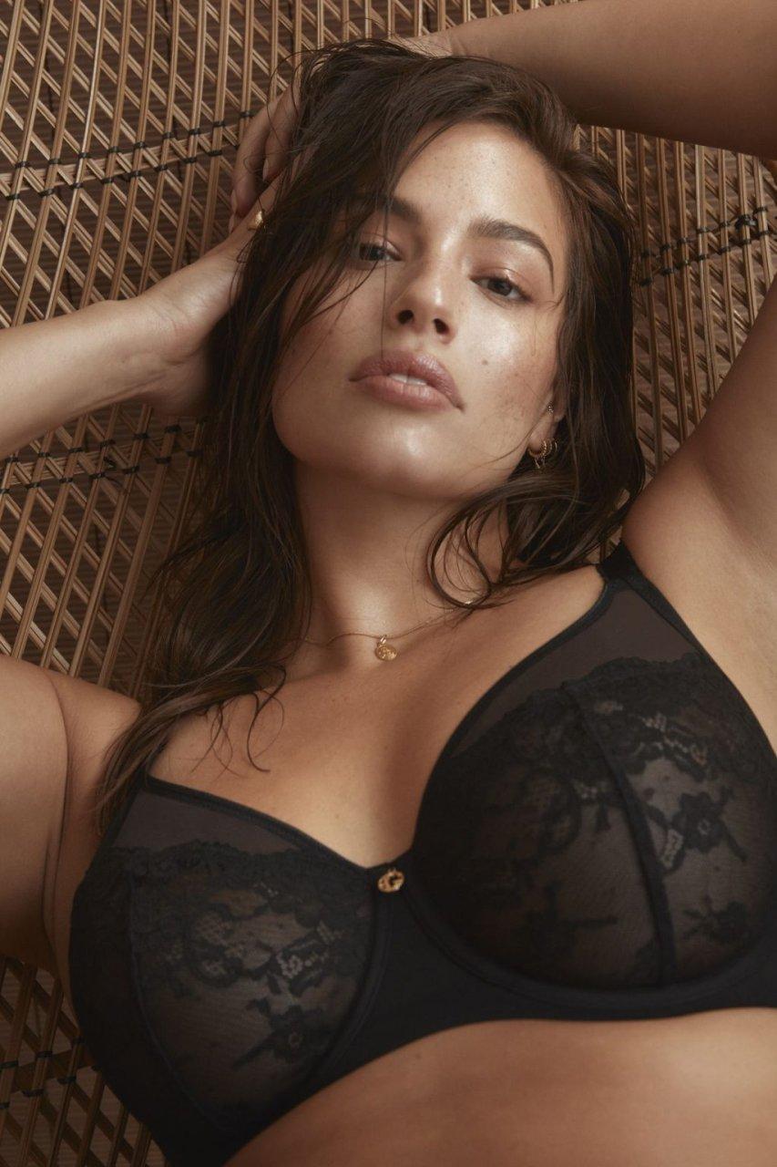 Ashley Graham Sexy (16 New Photos)