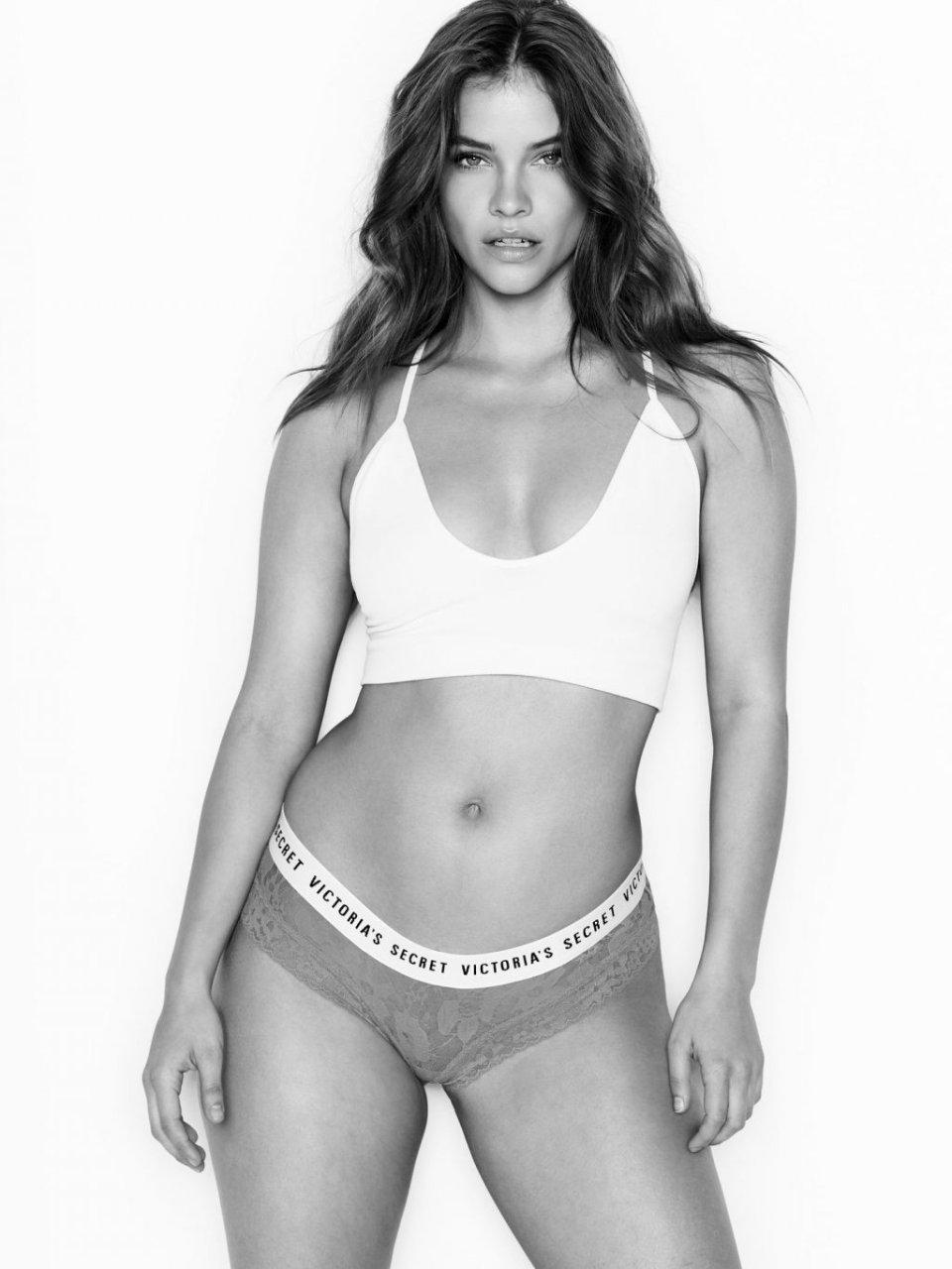 Barbara Palvin Sexy (8 Photos)