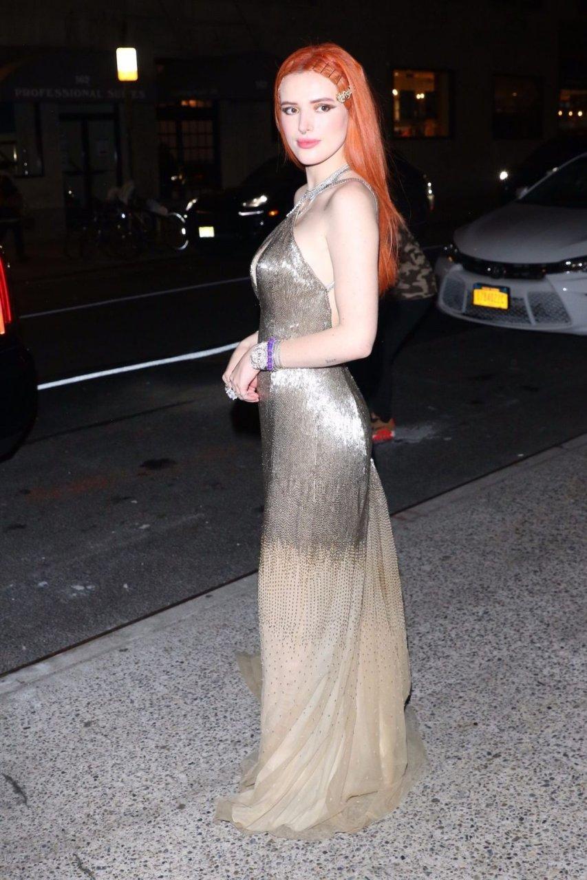 Bella Thorne Sexy (18 Photos + Video)