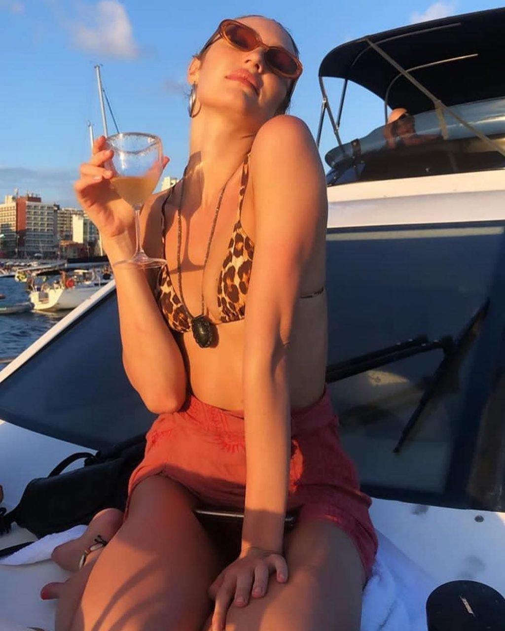 Candice Swanepoel Sexy (9 New Photos)