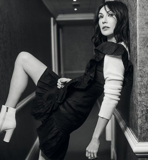 Carice van Houten Sexy (7 Photos)