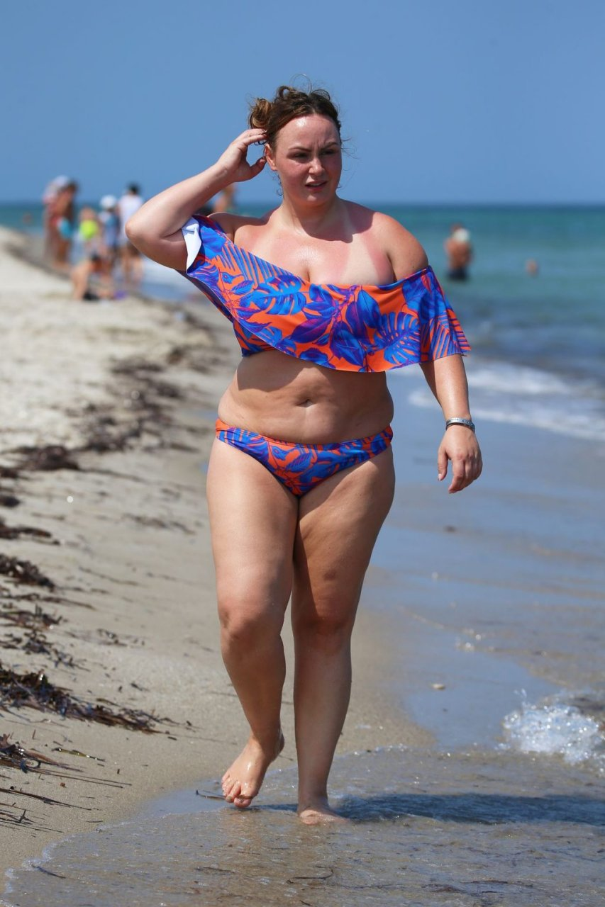 Chanelle Hayes Hot (15 Photos)