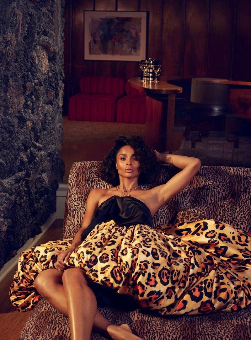 Ciara Sexy (10 Photos)