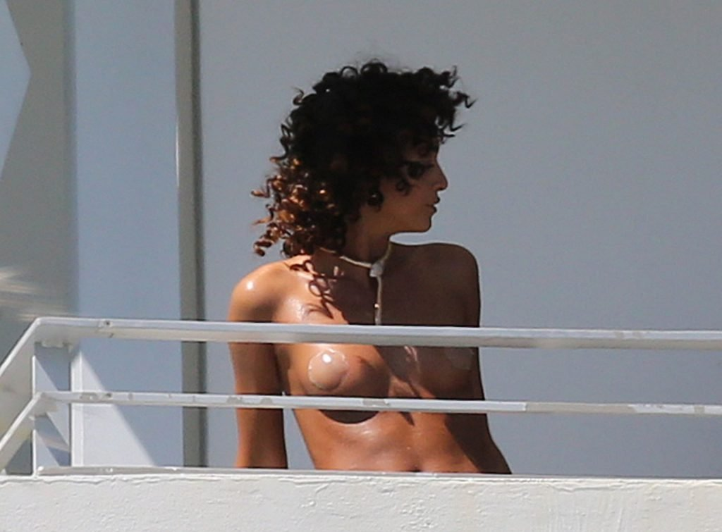 Eden Fines Sexy & Topless (24 Photos)