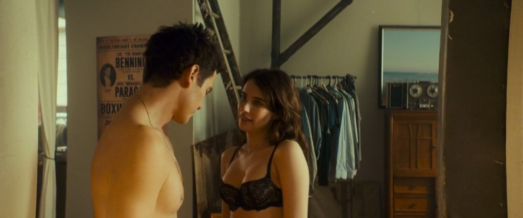 Emma Roberts Sexy – Little Italy (10 Pics + GIF & Video)