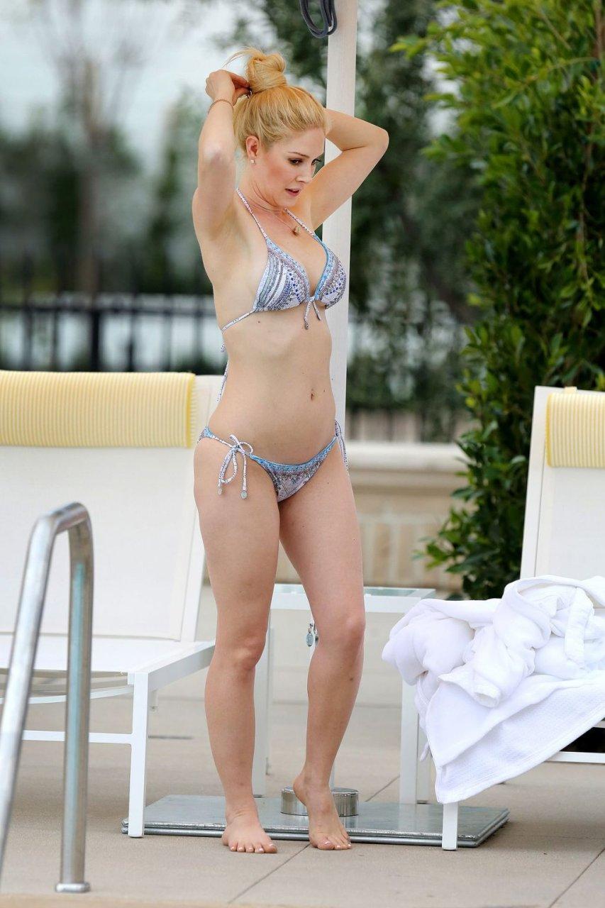 Heidi Pratt Sexy (2 Photos)