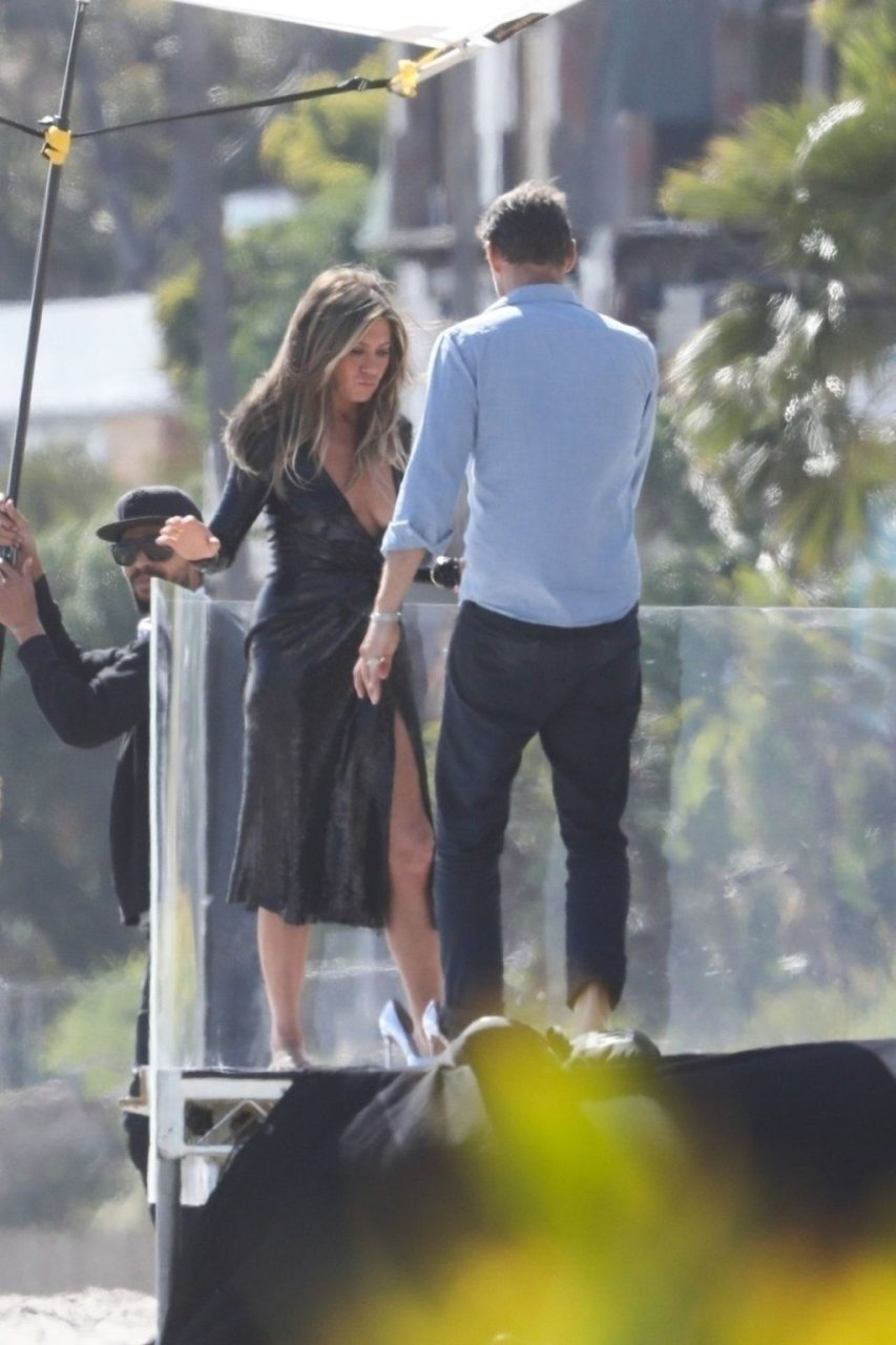 Jennifer Aniston Sexy (45 Photos)