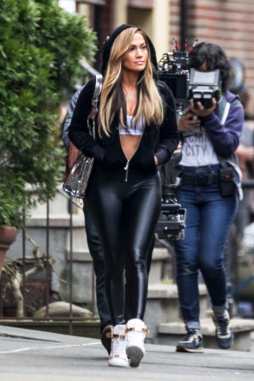 Jennifer Lopez Sexy (69 New Photos)