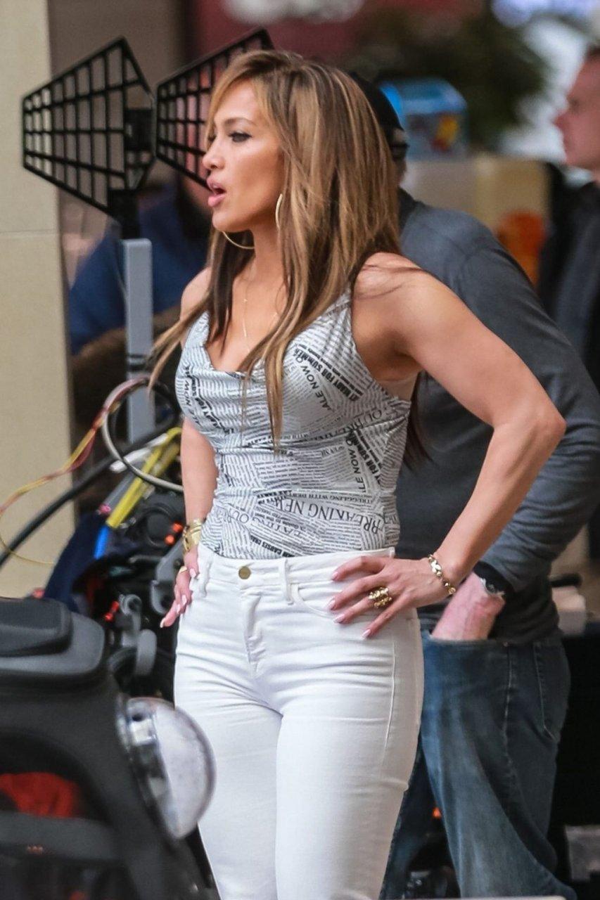 Jennifer Lopez Sexy (43 Photos)