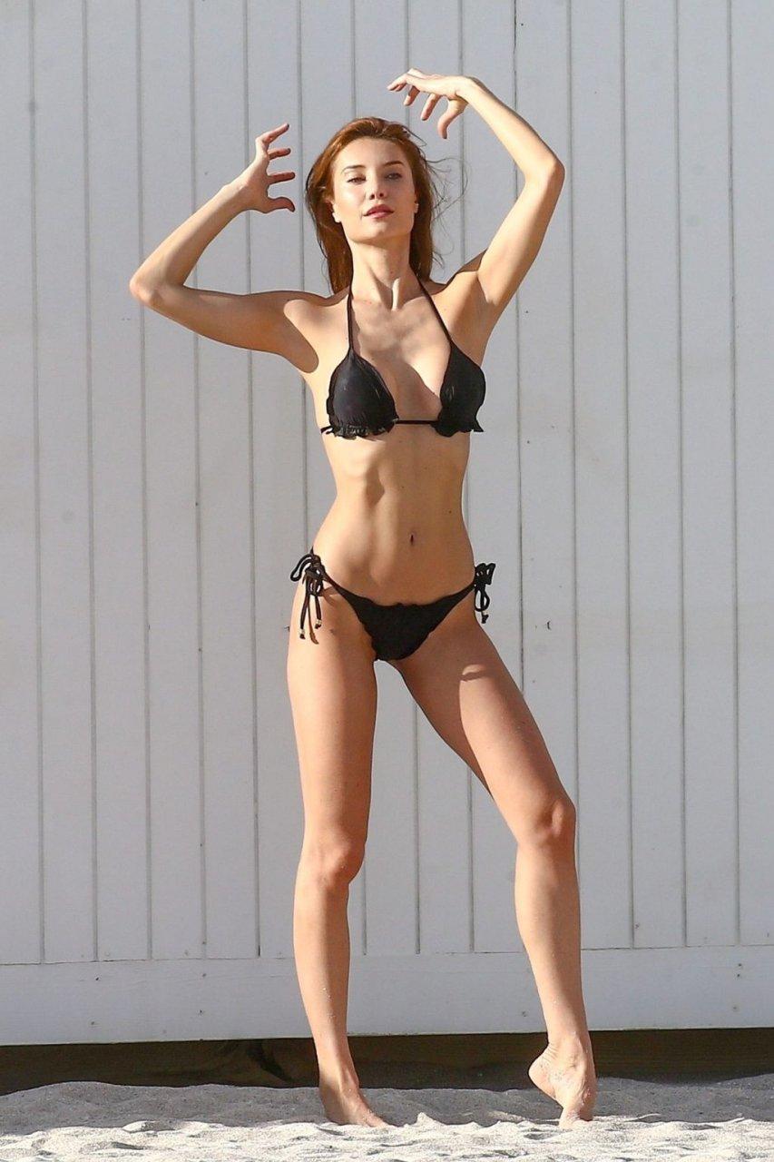 Julia Pereira Sexy (43 Photos)
