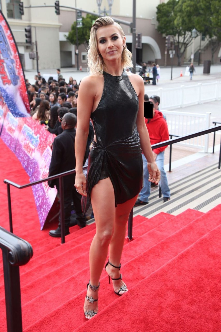 Julianne Hough Sexy (56 Photos)