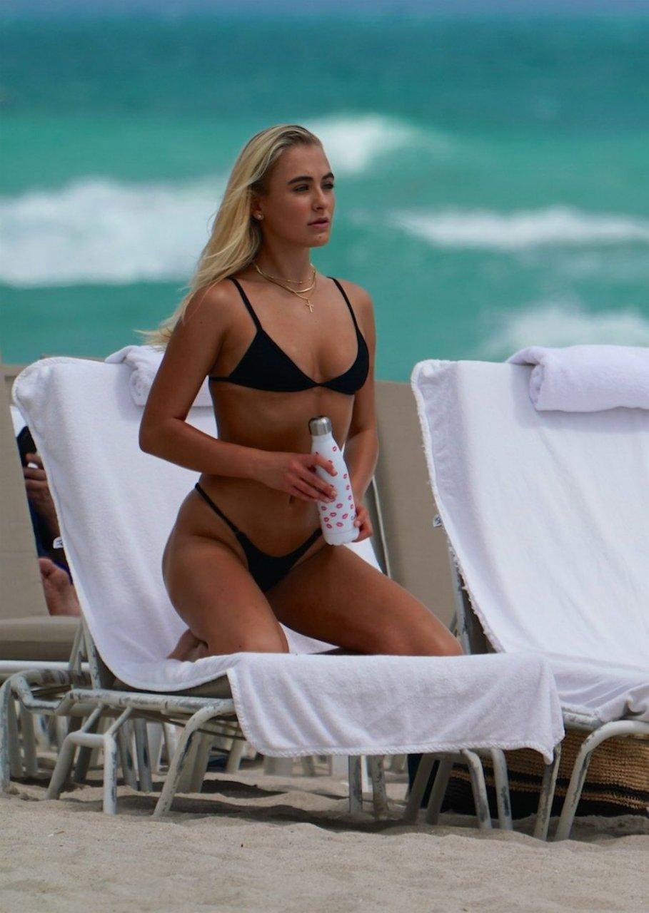 Katarina Elle Zarutskie Sexy (20 Photos)
