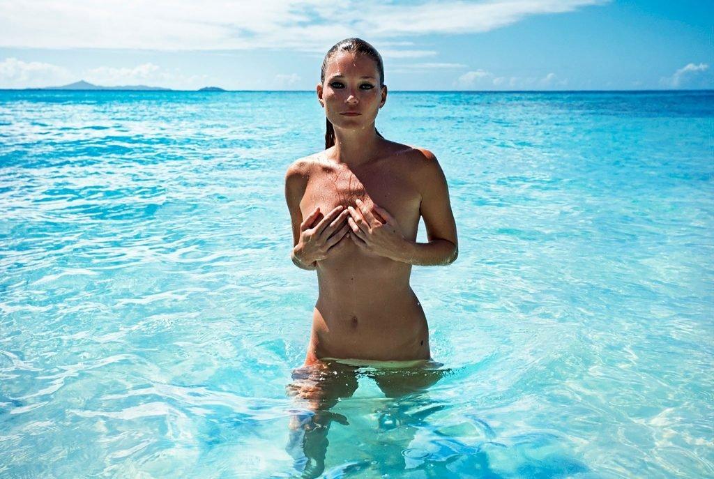 Kate Moss Nude (11 Photos)