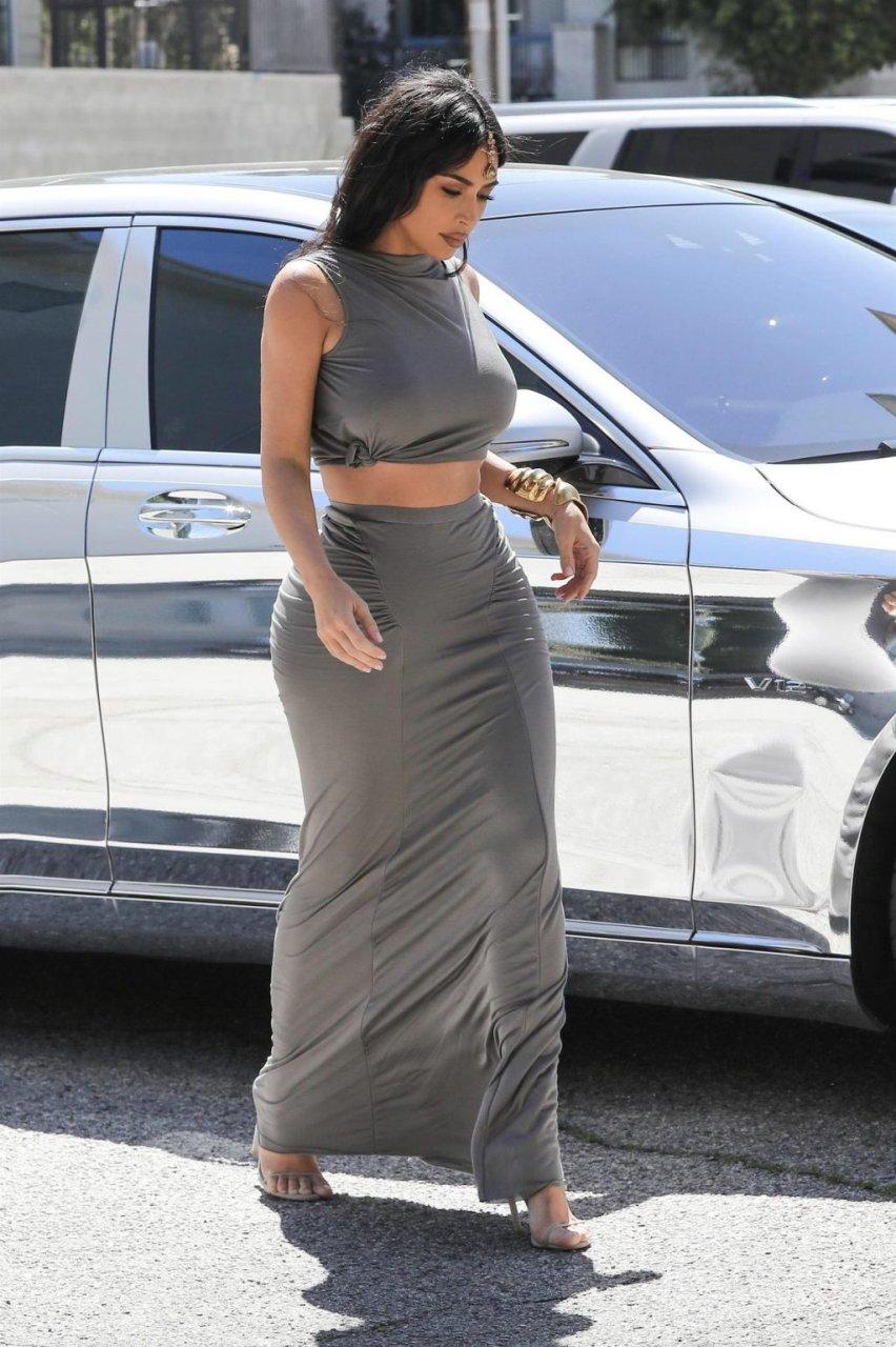 Kim Kardashian Braless (12 Photos)