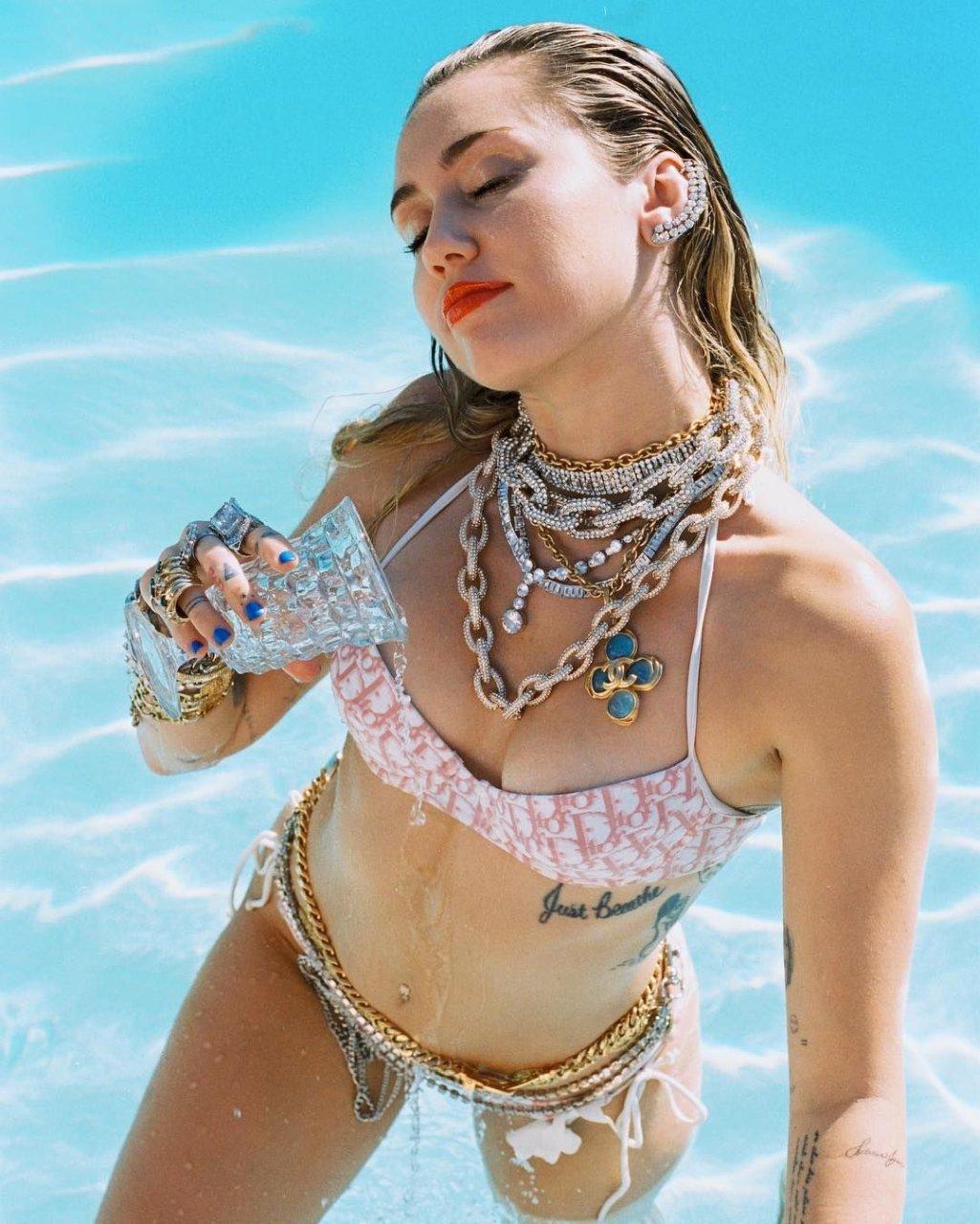 Selena gomez pussy naked pics