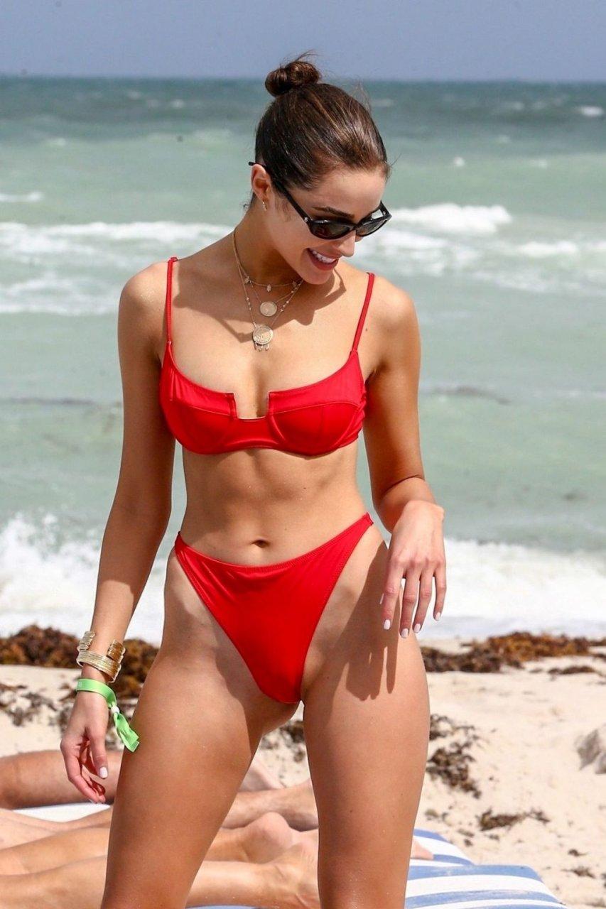 Olivia Culpo, Devon Windsor Sexy (152 Photos)