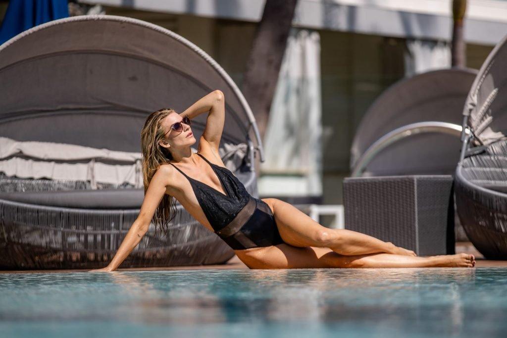 Rachel McCord Sexy (24 Photos)