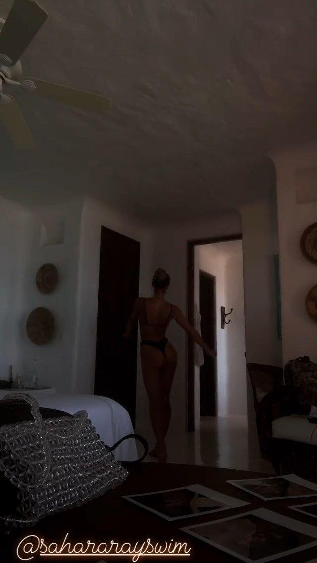 Sahara Ray Sexy & Topless (19 Photos + Video)