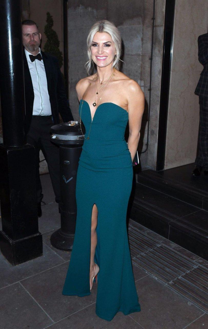 Sarah Jayne Dunn Sexy (24 Photos)