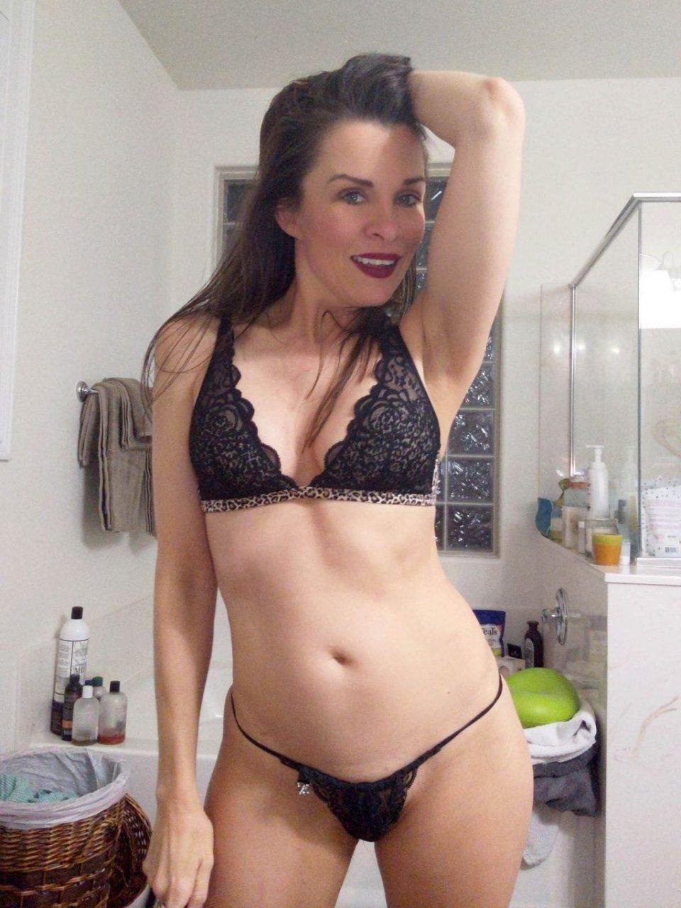 Ferrare  nackt Kaymora Daisarijösses! Roisi