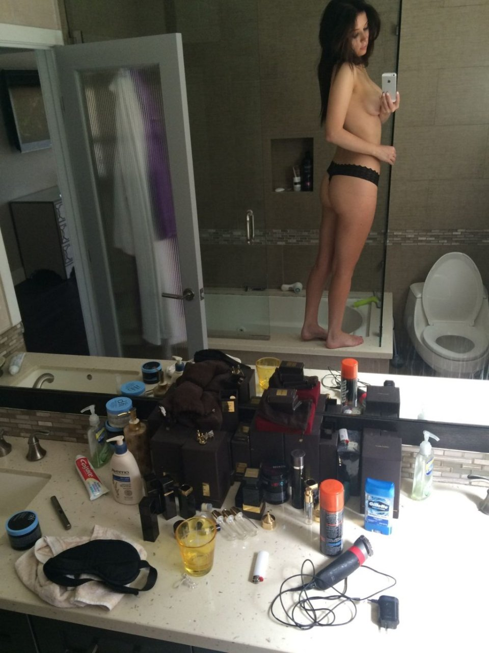 Ashley Mulheron Nude & Sexy Leaked Fappening (216 Photos + Video)