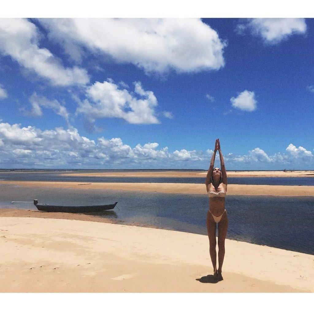 Candice Swanepoel Sexy (18 Photos)