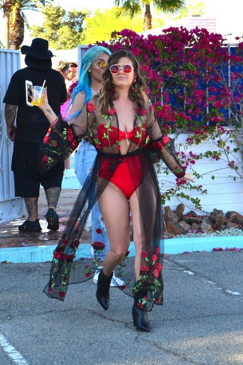 Chanel West Coast Sexy (21 Photos + Video)