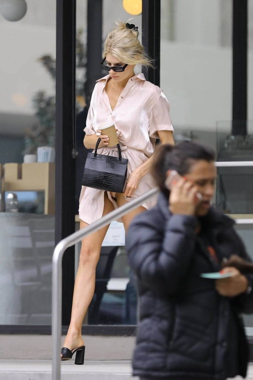 Charlotte McKinney Upskirt – during her outing in Los Angeles, 05-04-2019