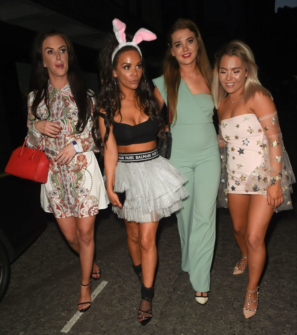 Chelsee Healey Sexy (13 Photos)