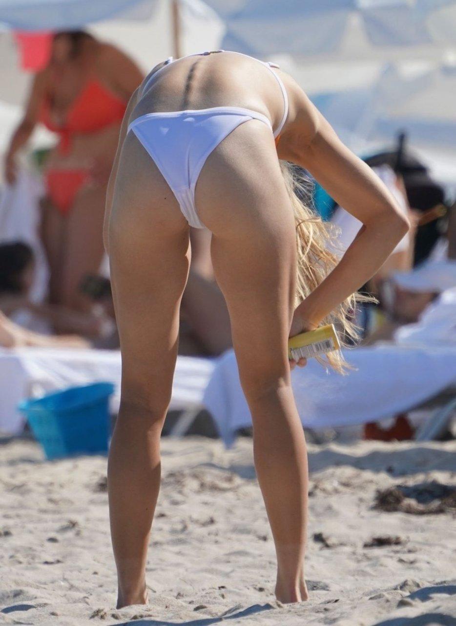 Eugenie Bouchard Sexy (12 Photos)
