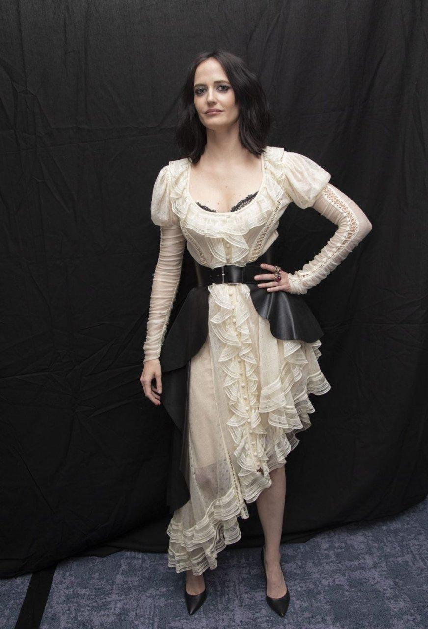 Eva Green Sexy (39 Photos)