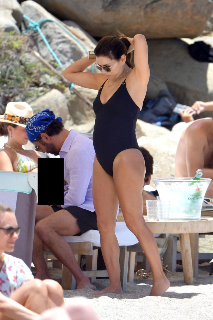 Eva Longoria Sexy (49 New Photos)
