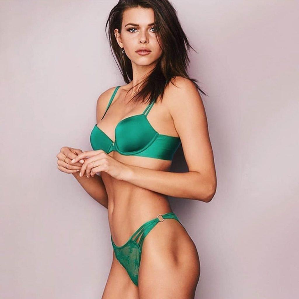 Georgia Fowler Sexy & Topless (60 Photos)