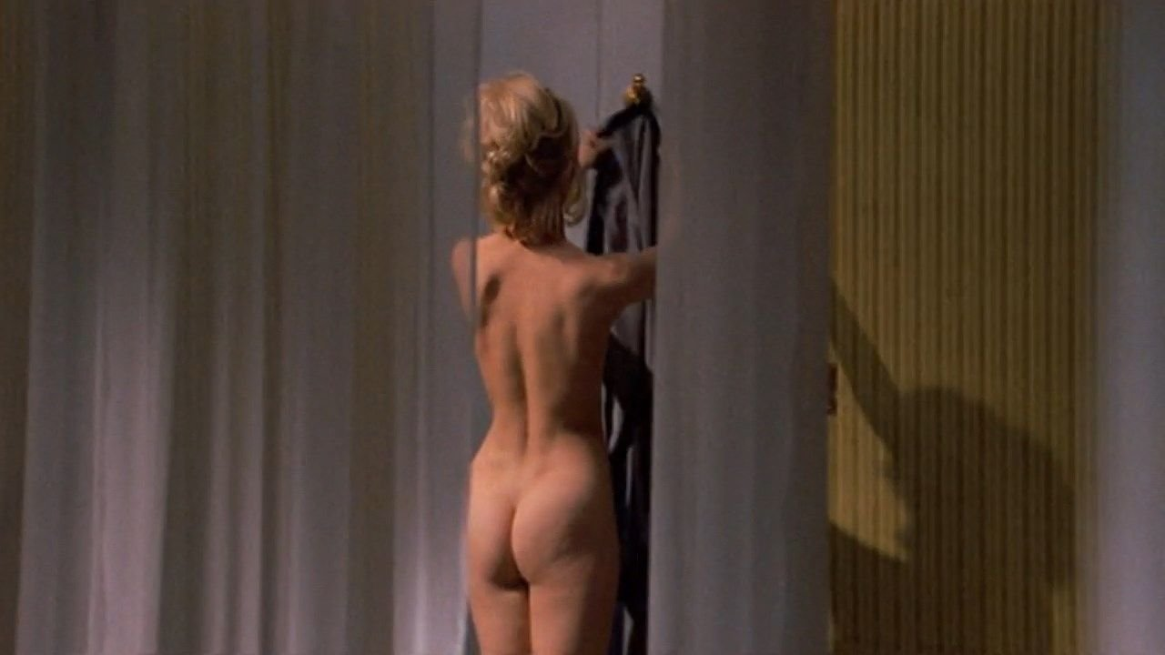 Goldie Hawn Nude  Theres A Girl In My Soup 10 Pics -3239