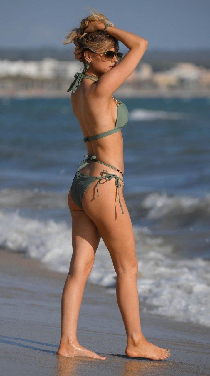 Hayley Hughes Sexy (39 Photos)