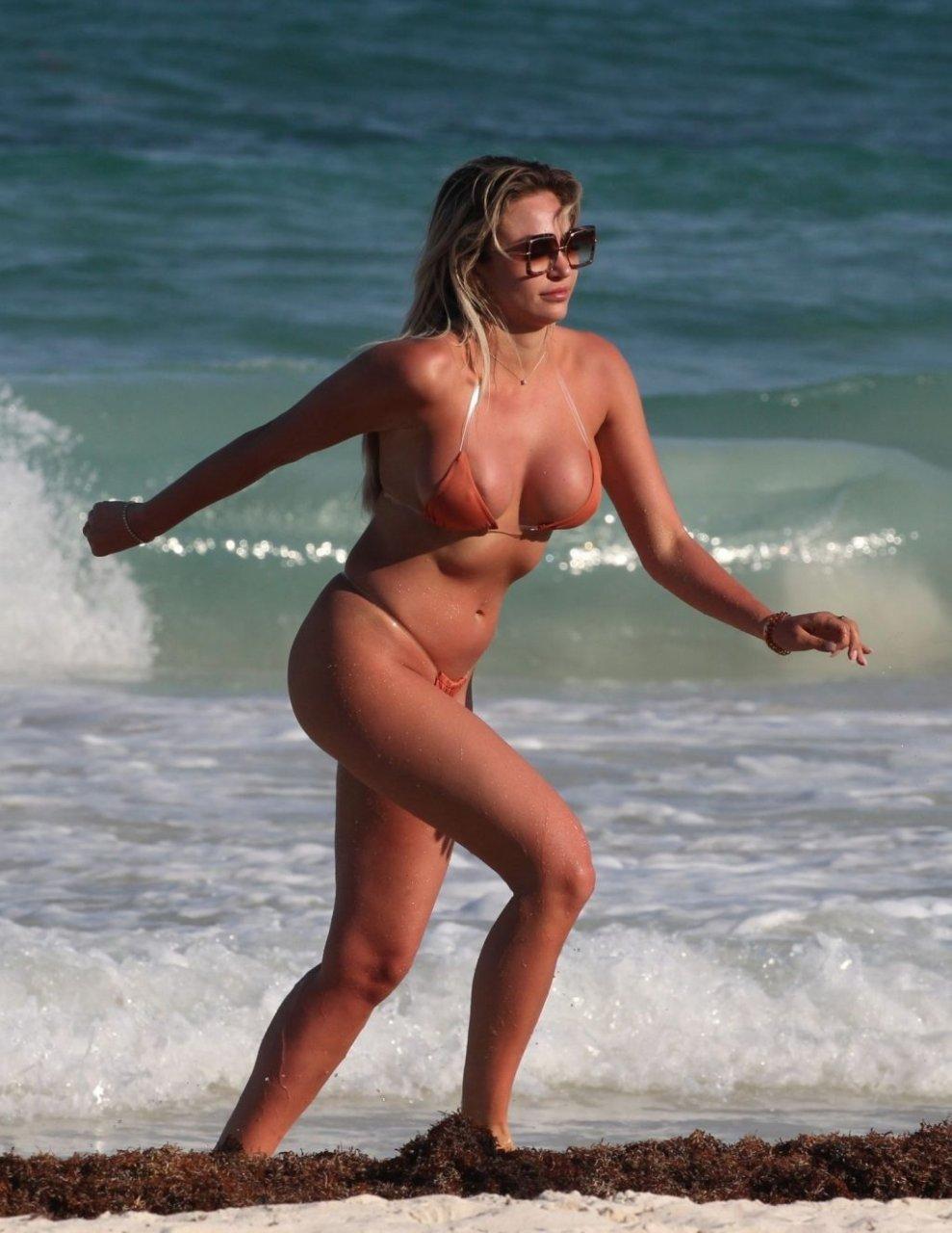 Khloe Terae Sexy (35 Photos)