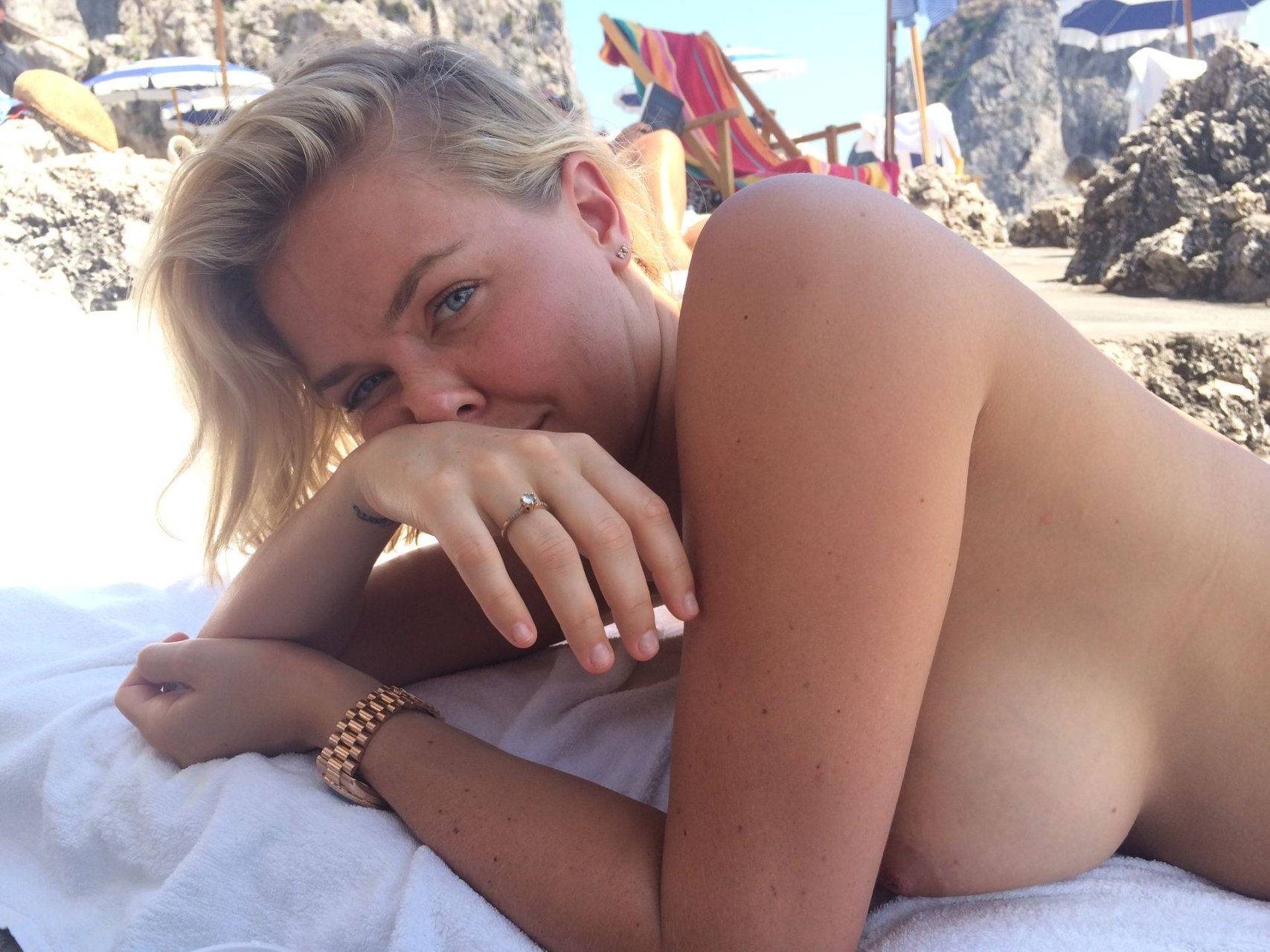 bingle nude