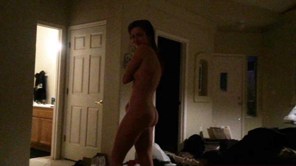 Lili Simmons Nude Leaked